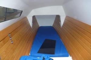Tiki 8m interior