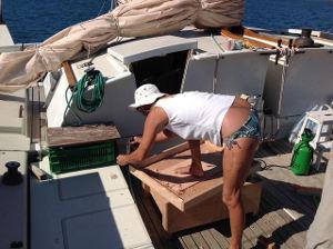 Hanneke making a wooden lid