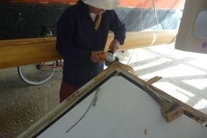 Hanneke using a disk cutter under Gaia platform