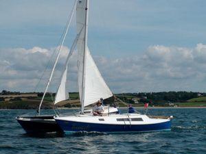 Tiki 28 sailing