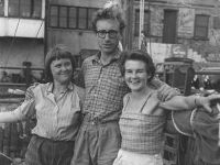 Old photo of Jutta, James and Ruth in a harbour