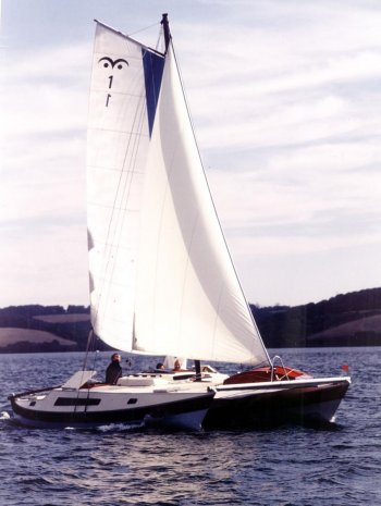 Tiki 28 with sloop rig