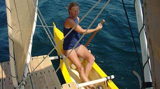 Hanneke steering Tahiti Wayfarer