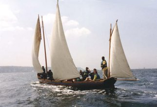 French lugger sailing