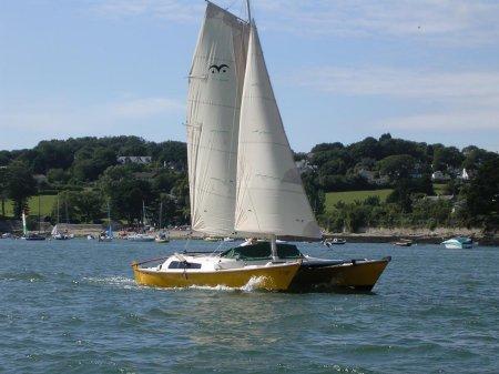Tiki 8m sailing